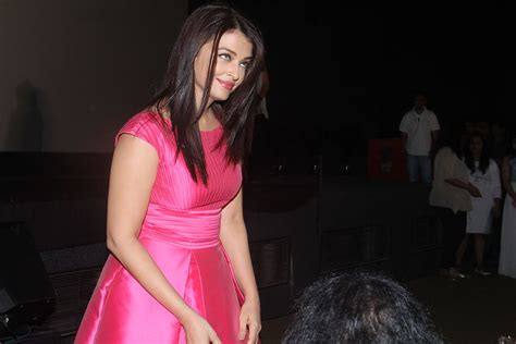 aishwarya rai upcoming movie trailer pretty in pink ravishing aishwarya rai with randeep hooda