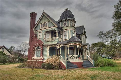 Queen Anne Style Home | queen anne style house search in pictures