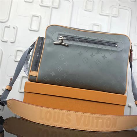 louis vuitton monogram canvas keepall bandouliere