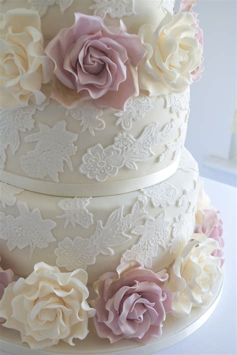 Hochzeitstorte Ivory by Wedding Cake With Lace Ivory And Amnesia Roses