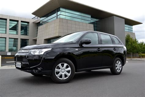 2013 mitsubishi outlander interior mitsubishi outlander 2 0 2013 technical specifications