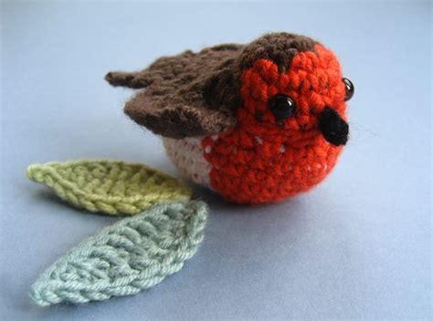 free knitting pattern christmas robin crochet beautiful wreath