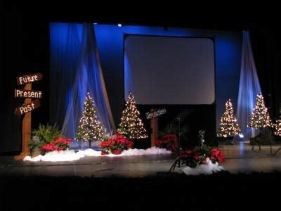 christmas stage decoration best 25 stage design ideas on