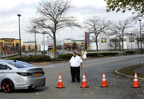 Magic Mike Garden State Plaza N J Mall Shooter Found Dead Later From Nwadg