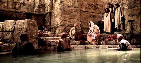 imagenes de jesus sanando jes 250 s sana a un paral 237 tico en el d 237 a de reposo youtube