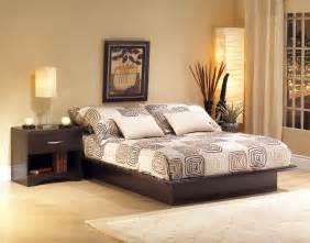 Cuadros Modernos Para Dormitorios De Matrimonio #10: Decoración-de-un-dormitorio-al-estilo-original2.jpg