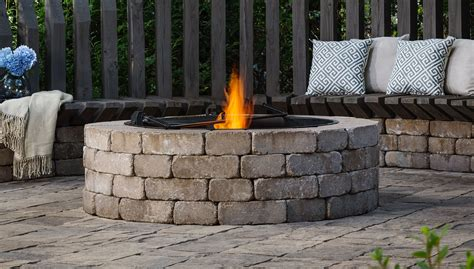 Outdoor Living By Belgard Ideas Tips How To S For Belgard Pit