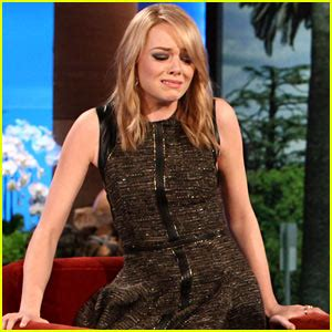 emma stone ellen emma stone discusses kissing her co stars on ellen