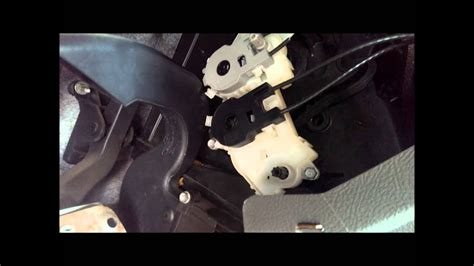 manually adjusting hvac air flow control  ford focus