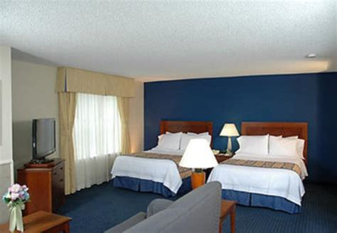 hotels with 2 bedroom suites in miami photo0 jpg picture of doral inn suites miami airport west doral tripadvisor