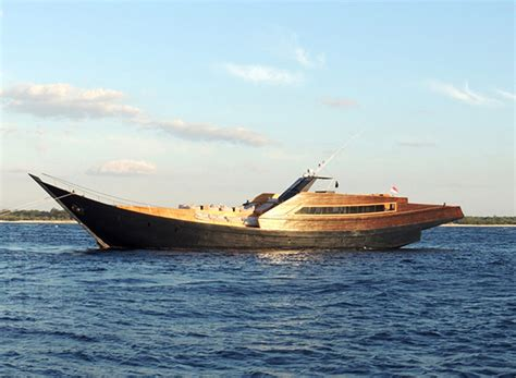 designboom indonesia indonesian phinisi boat transformedart and design