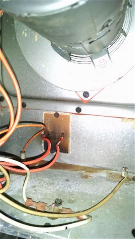 furnace light blinking green goodman propane furnace status light 2 blinks ventor