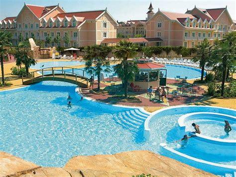 ingresso gardaland hotel gardaland hotel 123familyhotels child friendly