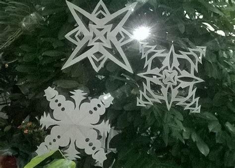 Weihnachtssterne Aus Papier Basteln by Schneeflocken Und Weihnachtssterne Aus Papier