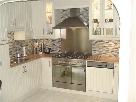white small kitchen interior design deniz homedeniz home smalle keukenkasten scharnieren keukenkasten home