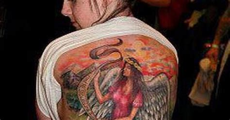 tatto ikan koi di badan tattoo cewek di belakang badan gambar seni tattoo