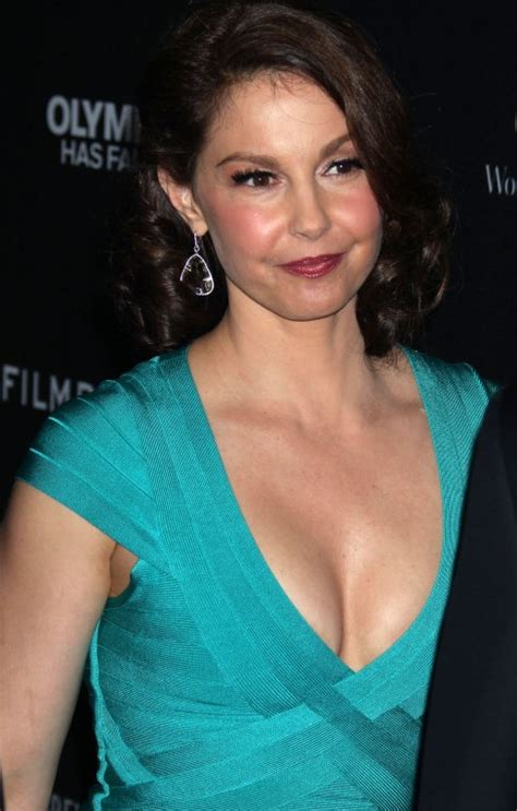 ashley judd bra size age weight height measurements celebrity ashley judd plastic surgery before and after celebrity sizes