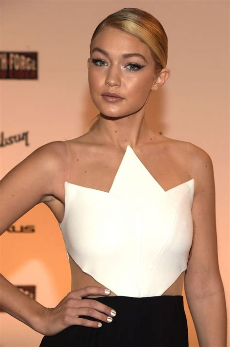 gig hadid measurements gigi hadid wiki height weight boyfriend measuements