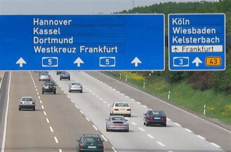 cocheras para alquilar consejos para alquilar un coche en alemania guia de alemania