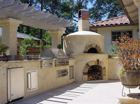 outdoor kitchen designs with pizza oven backyard bbq on pinterest outdoor kitchens bbq and