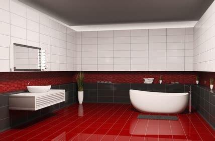 rote fliesen bad fliesen rot trendfarbe die im badezimmer akzente setzt