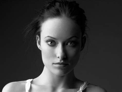 wallpaper black and white portrait 1280x960 olivia wilde black and white portrait desktop pc