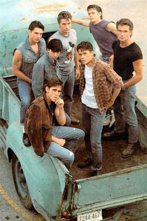 film tom cruise patrick swayze the outsiders 1983 many famous actors among them
