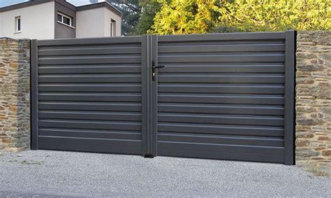 Fabriquer Portail Coulissant 32 by Portails Alu Pvc Bois Composite Fer Forg 233 Garages En