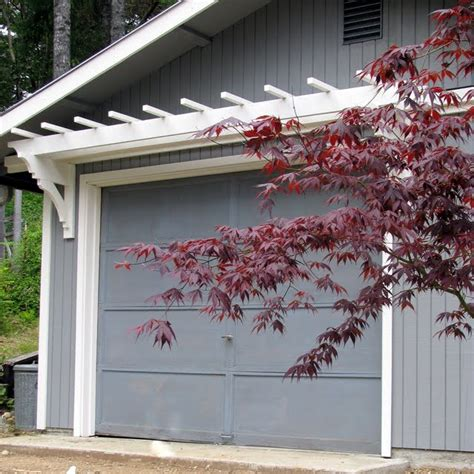 Garage Trellis by Blue Roof Cabin Diy Trellis The Garage Door