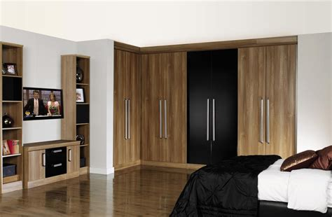 Fitted Wardrobes by Guide To Bespoke Fitted Bedroom Furniture Service In