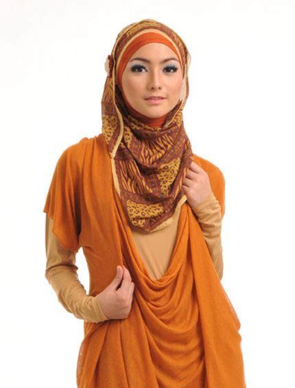 Segiempat Aqila griya muslim safina elzatta katalog januari 2013