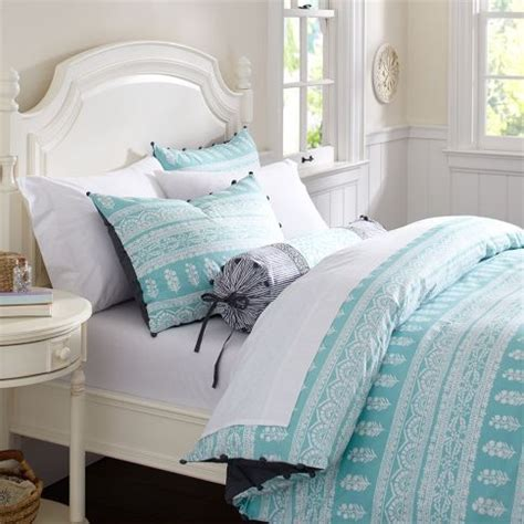 Light Turquoise Bedroom 1000 Ideas About Turquoise Bedspread On Bedspreads Purple Duvet And Light Green