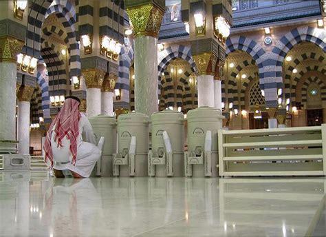 Dijamin Zam Zam Water 330ml sambut jutaan umat dua masjid terbesar mekkah dan madinah