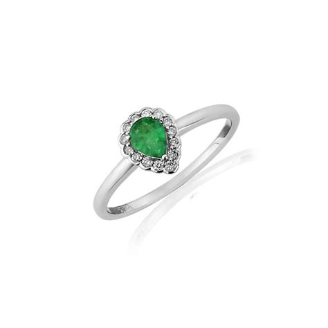 9ct white gold emerald ring 0 09cts