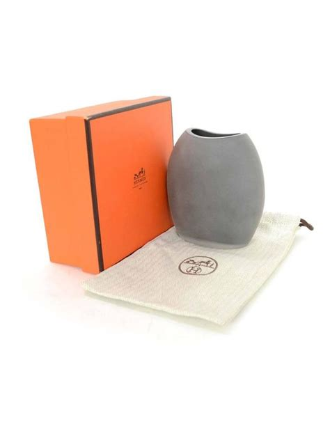 Tas Gucci Blossom Flower Fanta hermes small grey ceramic vase for sale at 1stdibs