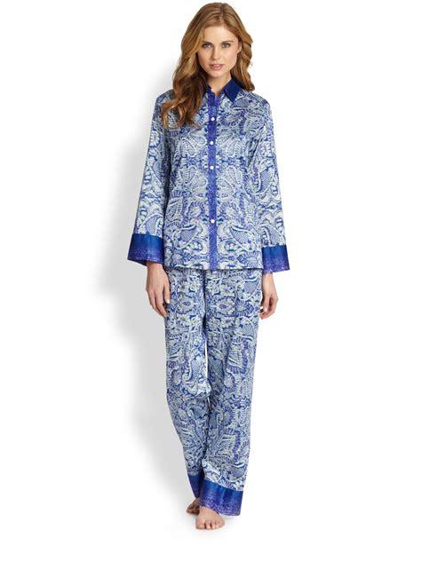 Pajamas Blue lyst oscar de la renta paisley pajamas in blue