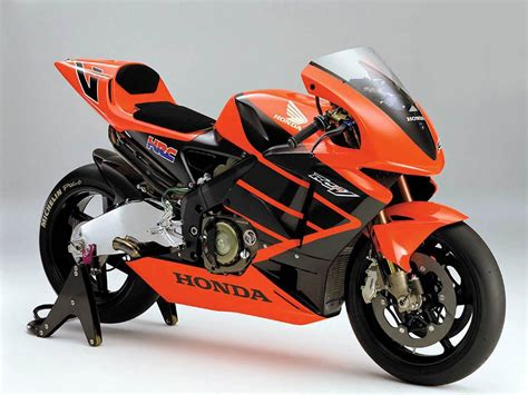 Biker Motorrad by Hot Moto Speed Honda Motorcycles Huge Range Of Motorbike