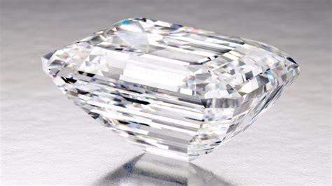 5 45 Ct Memo Emerald of 100 carat to be showcased in dubai