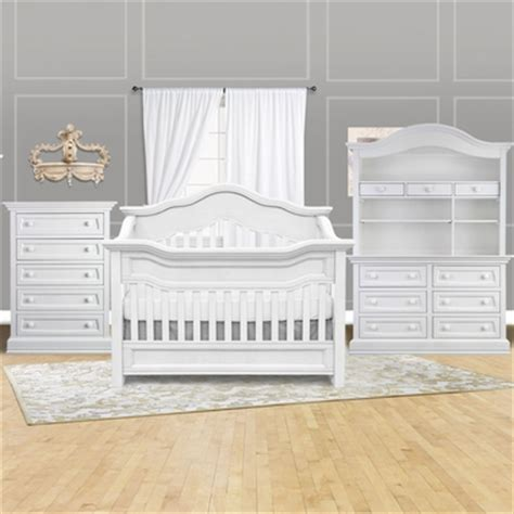 Baby Appleseed Davenport Crib Baby Appleseed 4 Nursery Set Millbury 3 In 1 Convertible Crib Davenport 5 Drawer