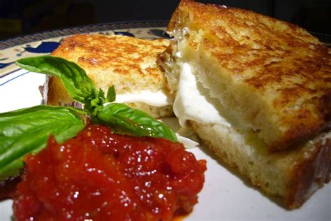 mozzarella en carrozza mozzarella in carrozza with sun dried tomato and roasted