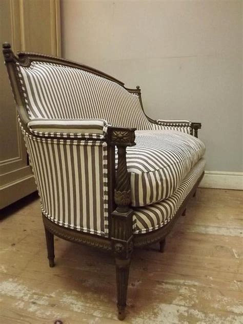 antique sofa chair best 20 antique sofa ideas on