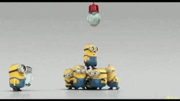 imagenes minions haciendo ejercicio minions im 225 genes gif minions la bombilla minions