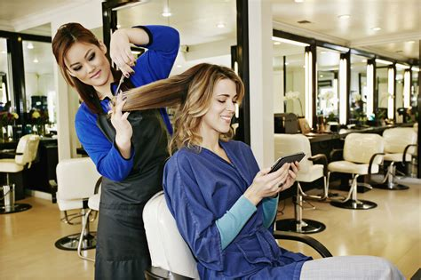 gratuity at salons how much to tip for a haircut