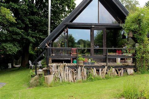 garten wissen ein country garden mit wochenendhaus und teich in