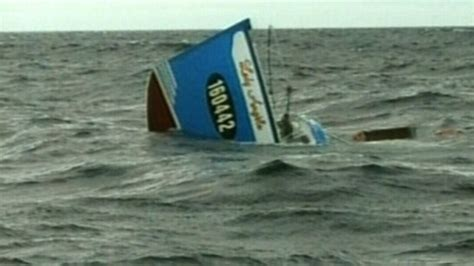 sinking boat tragedy crab fishermen escape tragedy after boat sinks off n s