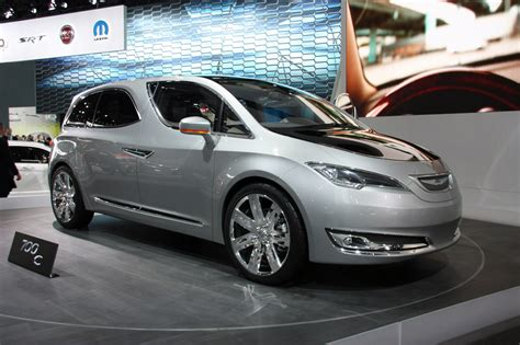 Chrysler World by Lancia Grand Voyager Looking