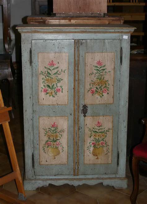 mobili decorati mobili dipinti armadi cassettoni madie comodini