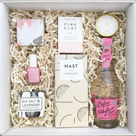 Handmade Bridesmaid Gifts - 1000 ideas about bridesmaid gift baskets on