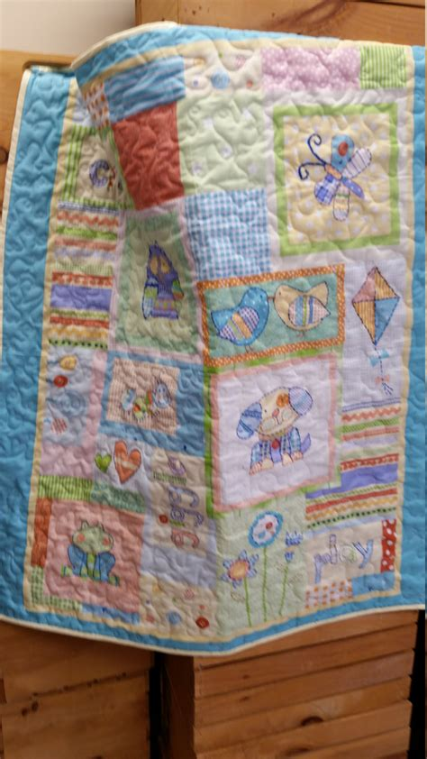 handmad crib size baby quilt animal friends machine quilted