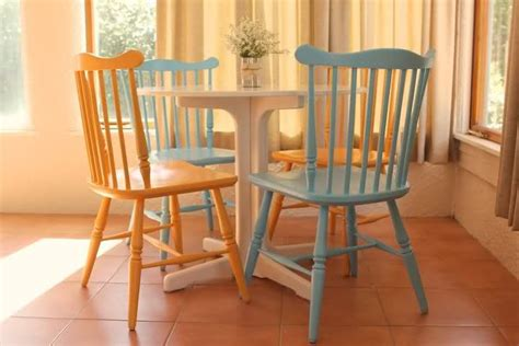 Painted Kitchen Chairs by 17 Best Images About Painted Kitchen Chairs On